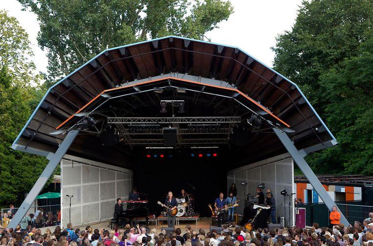 Paul de Munnik en Thomas Acda gaven eerder in het Vondelpark het eerste concert van hun afscheidstournee Beeld anp