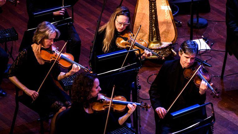 Het Metropole Orkest tijdens een optreden in Muziekgebouw 't IJ. Beeld anp