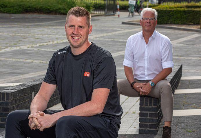 Eric Meijer (voorgrond) en Edwin van den Broeke staan voor de opgave om Regio Zwolle Volleybal komend seizoen weer het nodige elan te geven.