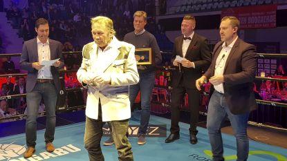 Jean-Pierre Coopman krijgt Lifetime Boxing Award op Roeselaars boksgala