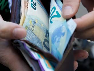 Uitkeringen optrekken tot de armoedegrens kost minstens 700 miljoen euro