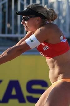 Valse start Flier en Van Iersel op WK beachvolleybal