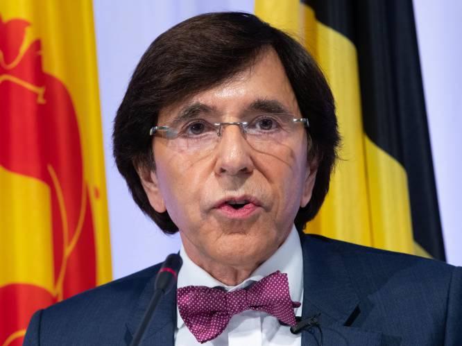 Di Rupo denkt aan versoepeling avondklok en uitgebreidere 'kerstbubbel' in Wallonië - Mogelijk nieuw wereldwijd onderzoek vaccin AstraZeneca
