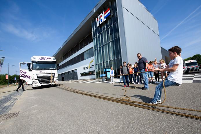 Op Autotech Helmond komen donderdag 800 schoolkinderen om kennis te maken met auto technologie.
