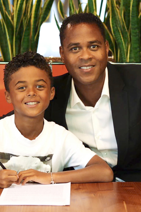 Wat bezielt Nike om 9-jarige Shane Kluivert te contracteren?
