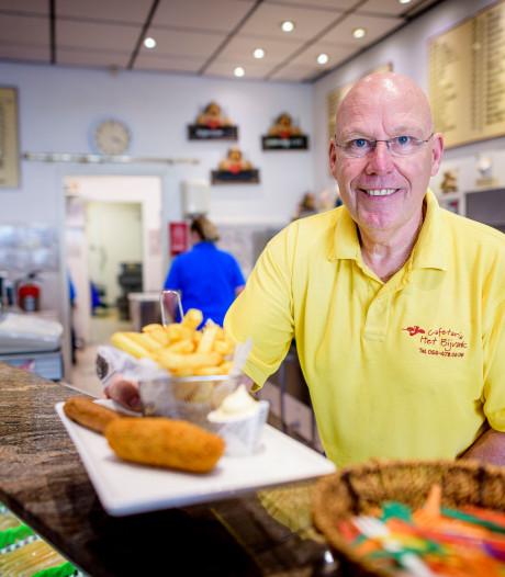 Snackbar in Enschede gooit roer om in armzalige omgeving: 'We maken nu alles zelf'