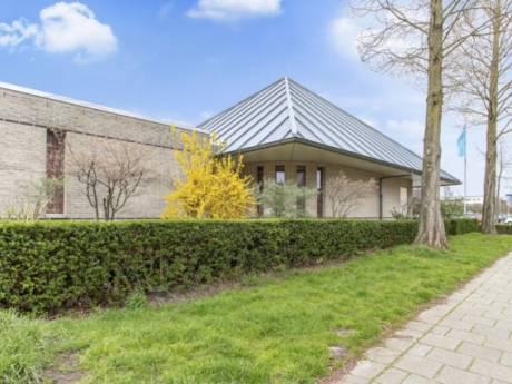 Slechthorende Jehova's Getuigen vertrekken uit Zoetermeer: iconische 'kerk' in de verkoop