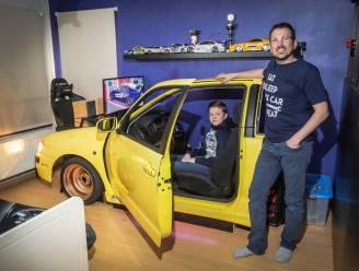 """Vader bouwt wagen om tot simulator in slaapkamer van tienerzoon: """"Handig om te leren autorijden, maar ook goed voor zijn studies"""""""