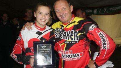 Maïté Stroo (14) uit Adegem is herfstkampioen op de motor