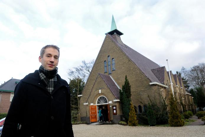 Alex van Wijhe haalde in 2014 de krant met een bijzonder initiatief: hij 'recenseerde' op toegankelijke wijze diensten in uiteenlopende kerken in Apeldoorn.
