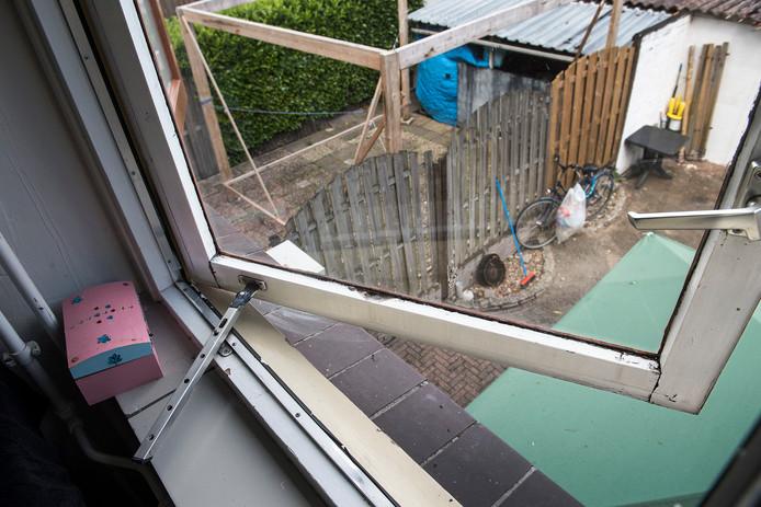 Slechte kozijnen in een woning in Zwanenveld.