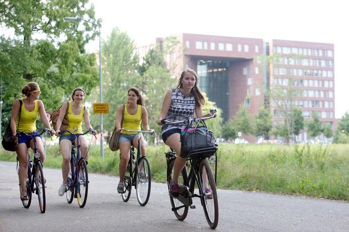 Fietsen op de Campus in Wageningen