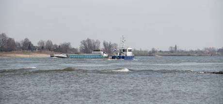Zo'n 10 procent van schippers 'ontgast' illegaal benzeen op grote rivieren