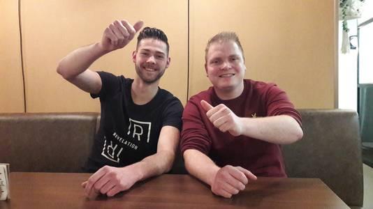 Kafke (links) en manager Jordy de Wit. Ze zijn nog steeds ze verbaasd over het succes. En net zo blij.