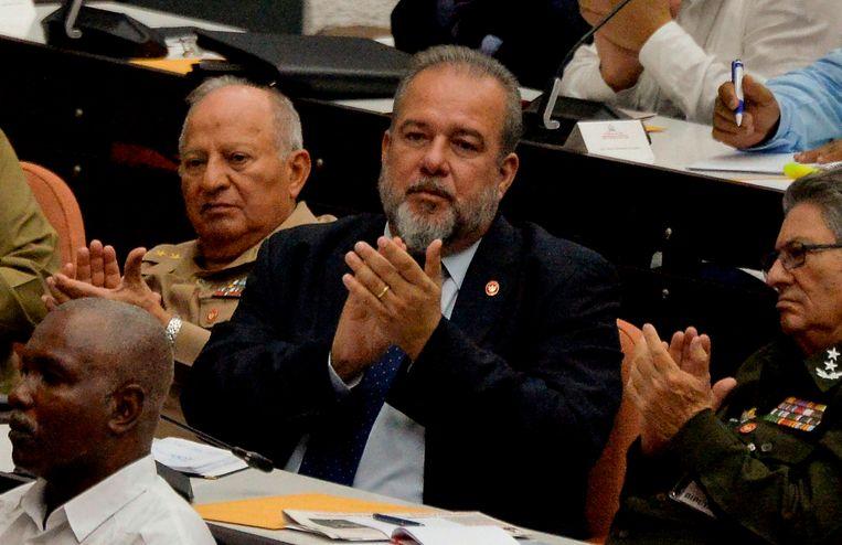 Manuel Marrero (in het midden), de eerste minister van Cuba.