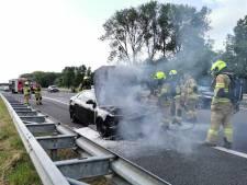Auto van Psyko Punkz vliegt in brand op A12, hardstyle-dj mist Duits festival
