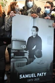"""Professeur décapité: 7 individus mis en examen, dont 6 pour """"complicité d'assassinat terroriste"""""""