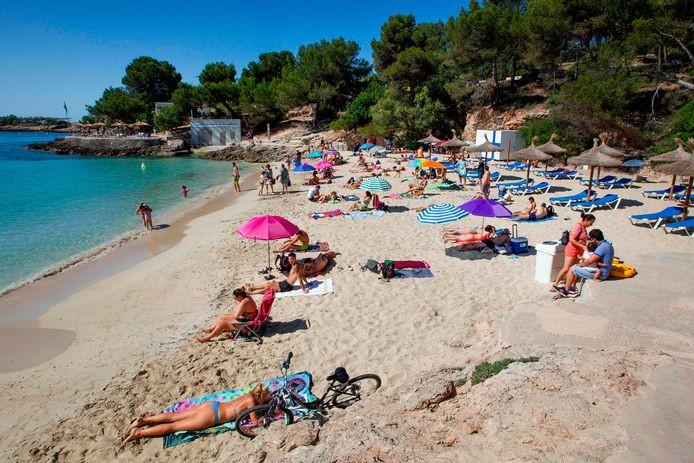 Het strand van Calva op het Spaanse eiland Mallorca, afgelopen weekend.