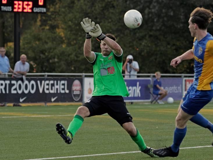 UNA zet zichzelf in Brabantse derby tegen Blauw Geel'38 te kijk en eindigt duel met negen man