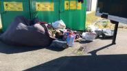 Gemeente pakt zwerfvuil en sluikstort aan textielcontainers aan