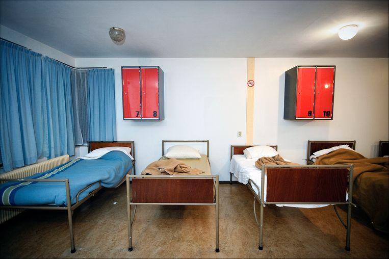 Slaapzaal van daklozencentrum Vaartscherijn in Utrecht.  Beeld Hollandse Hoogte/Erik van 't Woud