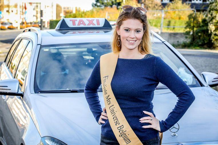 Finaliste in de verkiezing Mrs Universe Belgium Elke Lenoir is taxichauffeur van beroep.
