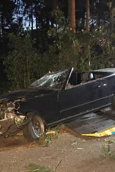 Twee personen naar ziekenhuis na eenzijdig ongeval tussen Oldenzaal en Enschede