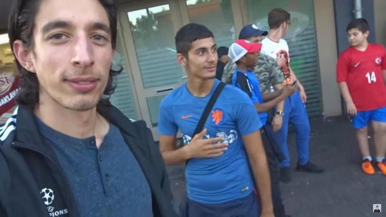 Ismaïl Ilgun in een van zijn Youtube-filmpjes Beeld Screenshot Youtube