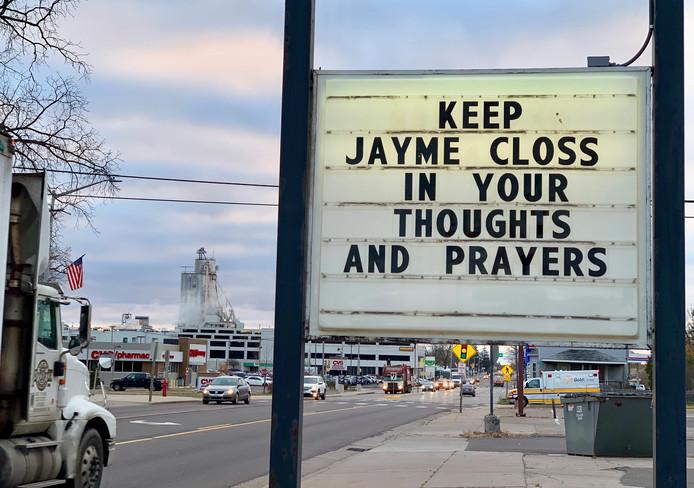 In het kleine stadje houden mensen hoop.