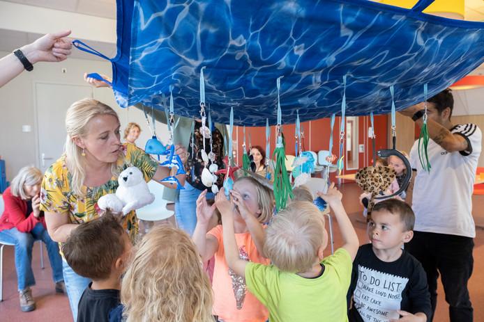 Gerdien Janse van de Ye&Bo Club duikt 'onder water' met kinderen van de buitenschoolse opvang van Kibeo in Zierikzee