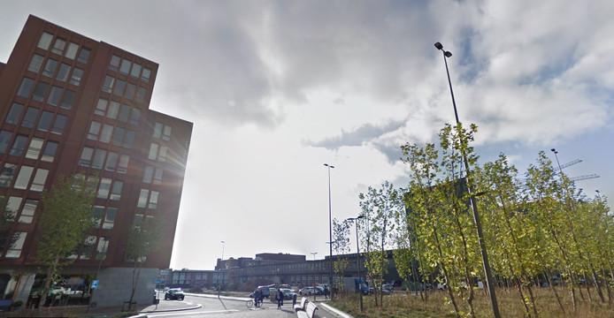 Bouwlocatie S-West aan de Ir. Kalffstraat op Strijp-S in Eindhoven met links SAS3, rechts de school Sint-Lucas en het NatLab op de achtergrond.
