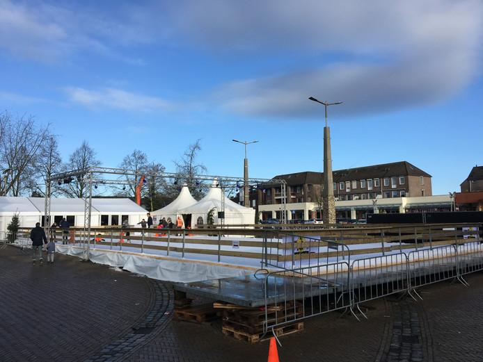 De ijsbaan op het Kerkplein in Malden in 2017.