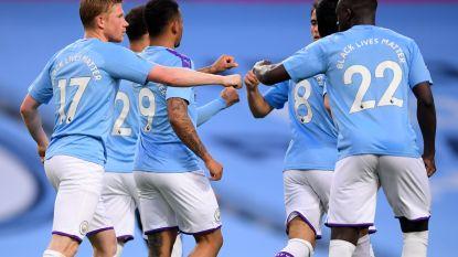 City rolt Arsenal op na flater en rode kaart voor David Luiz, De Bruyne trefzeker vanaf de stip