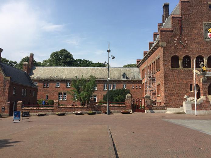 Het oude raadhuis in Waalwijk.