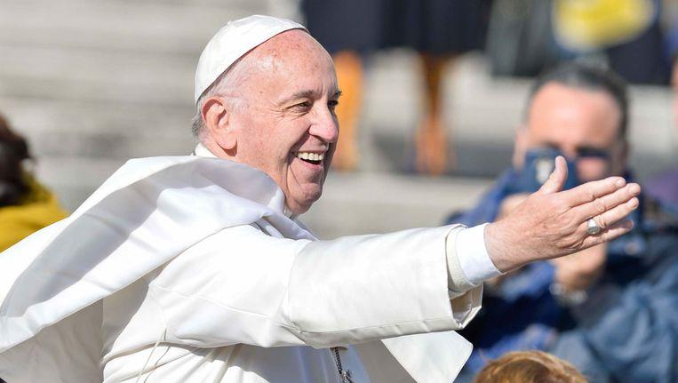 Paus Franciscus, hier op het Sint Pietersplein in Vaticaanstad. Beeld Photo News