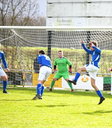 Overzicht | Erwin Broeders maakt er 4 voor Oosterhout, hoofdrol voor keeper Buijks bij RFC