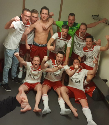 Zaalvoetballers Urk zien vanwege bruiloft af van bekerwedstrijd