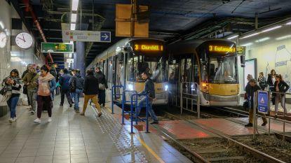 Meer blauw moet metrostation Lemonnier opnieuw leefbaar maken