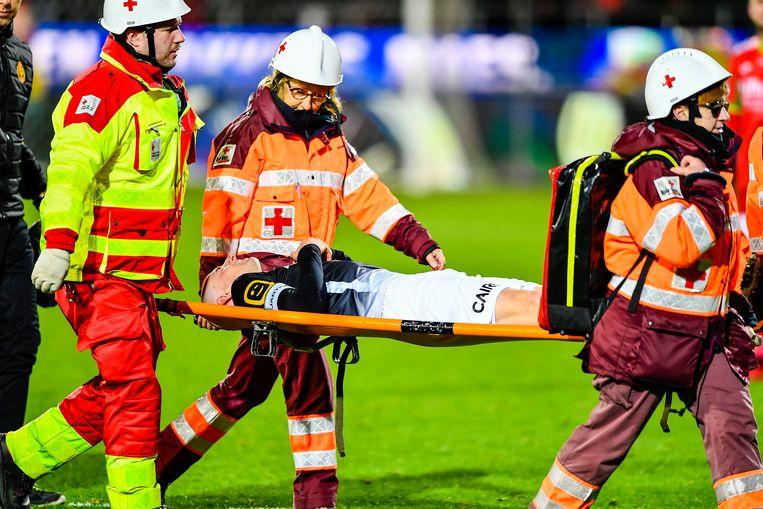 Tim Matthys  werd op 9 december van het veld gedragen in de thuiswedstrijd tegen KV Oostende.