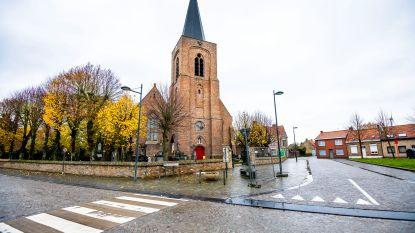 """31 West-Vlaamse dorpen hebben niet één winkel: """"Je bent hier niets zonder auto. En zonder grote diepvriezer"""""""