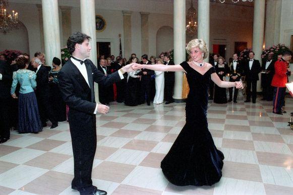 Travolta en prinses Diana tijdens het galadiner in het Witte Huis in 1985.