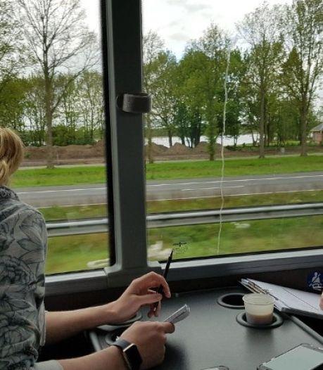 Bonnenregen bij politie-actie met 'belbus' op snelwegen in Oost-Nederland