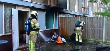 Utrechtse flat in brand door oude autobanden