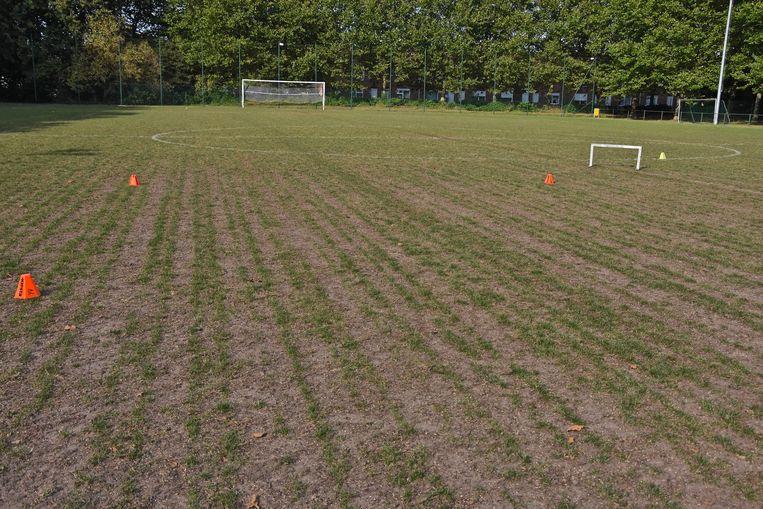 September vorig jaar: het tweede terrein van Eendracht Wervik met niet genoeg gras