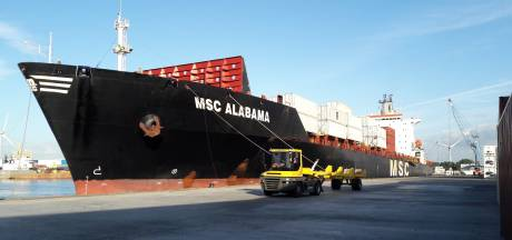 Containergigant MSC meert voor het eerst af in Vlissingen