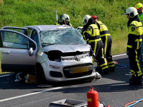 Twee gewonden bij frontale botsing op oprit A58 bij Breda