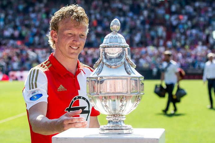 Dirk Kuyt met de KNVB-beker
