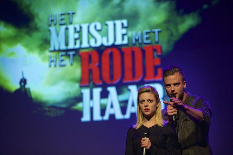 Musical-acteurs Roos van Erkel en Jim Bakkum tijdens de seizoenpresentatie van producent DommelGraaf & Cornelissen Entertainment in Theater de Meervaart. Zij vertolken de hoofdrollen in Het meisje met het rode haar. Beeld anp