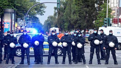 Duitse politie jaagt linkse betogers uiteen in Hamburg, ook rellen in Berlijn