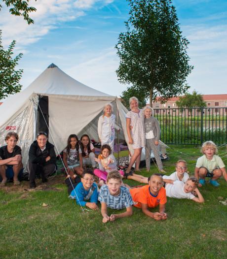 Kinderen kamperen tot en met zondag in speeltuin De Sluis